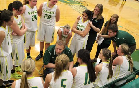 Girls varsity basketball struggles through season