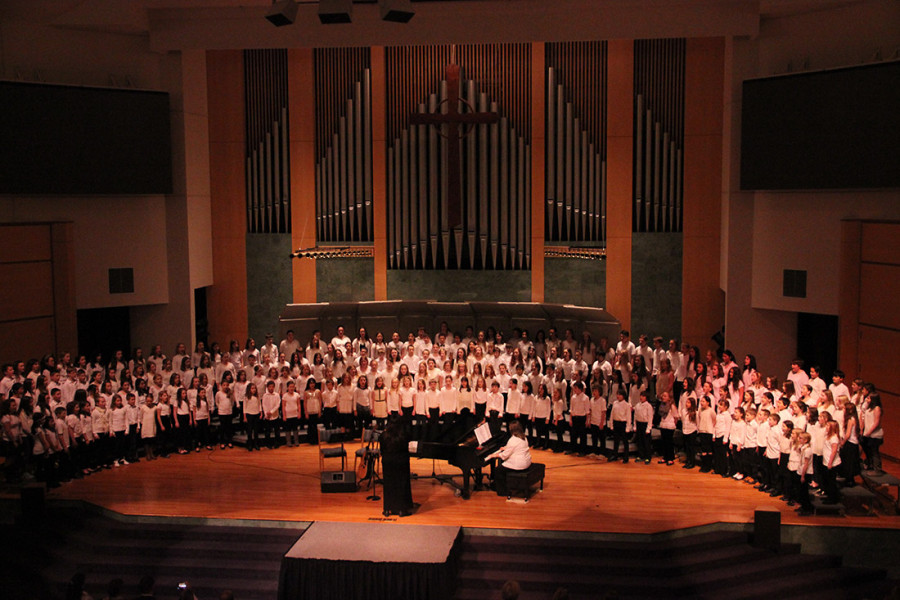 A+group+shot+of+the+all+the+elementary+choir+students%2C+which+added+up+to+over+200+students.+