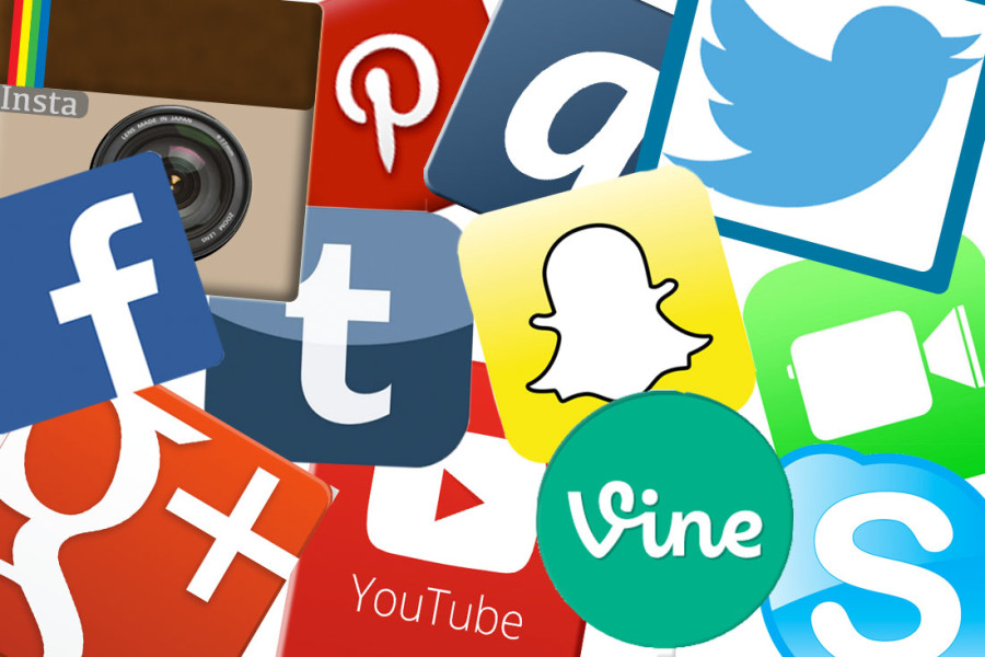 Social+media+taking+over