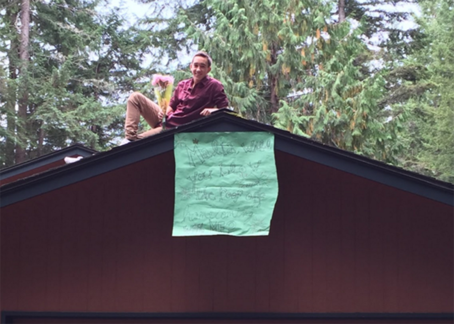 Marten+poses+on+his+roof.