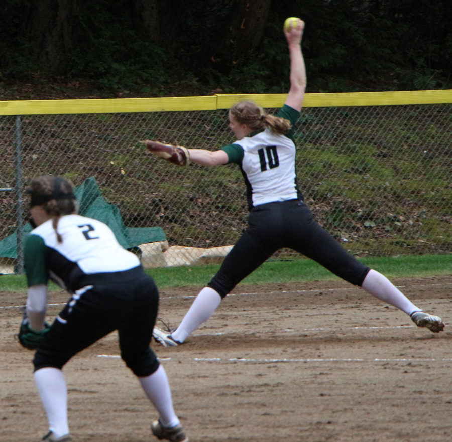 Kirsten Ritchie pitches the ball.