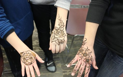 The Art of Mehndi Body Painting